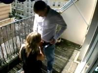 Cette fois-ci, complètement bourrée au Champagne, Eva se laisse enculer ! (vidéo exclusive)