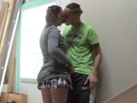 Partie de baise étudiante à l'arrache. On aime!