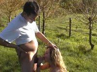 Un couple amateur baise en pleine nature!
