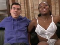 Sodomie orgasmique pour une jolie black très cochonne!