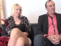 Anaïs et Claude, un couple de Normandie qui vient visiter la maison du sexe !