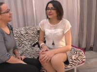 Céline, 27 ans de Béthune nous rejoint à la maison du sexe pour un casting bouillant!