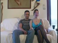 Christine se lance devant la caméra avec son mari et un inconnu!