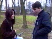 Une jeune femme en pleine rupture abordée par notre casteur dans un parc.
