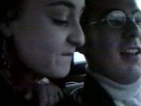 Une petite allumeuse baisée par un chauffeur de taxi et son client.