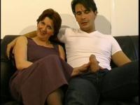 Nathalie, une Milf rousse qui veut découvrir le x avec Philippe!