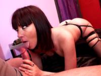 Lana Missbeauty fantasme d'être baisée par un militaire
