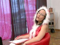 Joyeux Noël : Candice joue les mères noël sexy